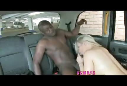 Blonde chick wants to have fun in the car