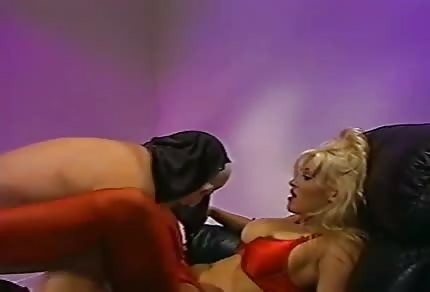 Hot blonde chick sucks his cock