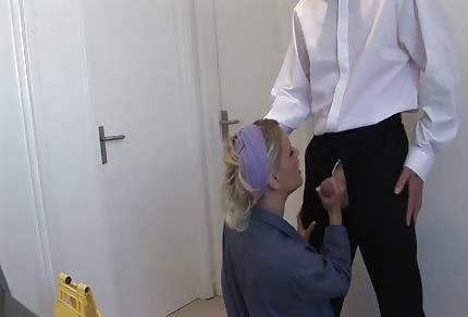 Cleaning lady likes to fuck