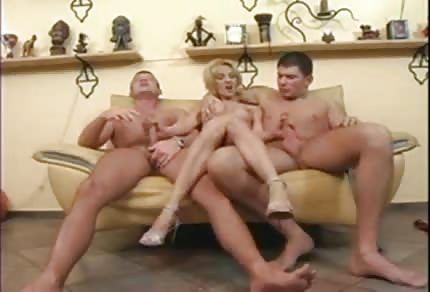 Threesome with hot mommy