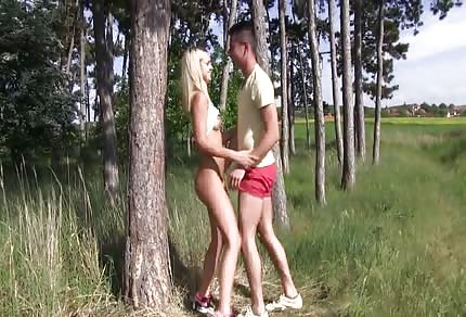 Blonde chick likes to do it outside