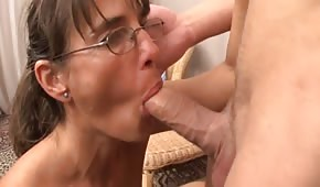 Mature chick wants to try some young dick