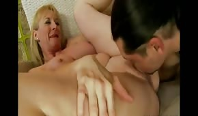 He's fucking this hot mommy