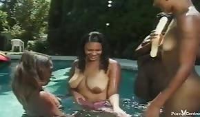 Naked ebony in the pool