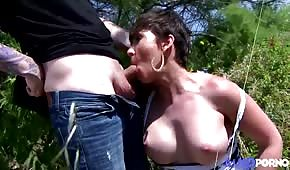 Holiday sex with a black-haired lady