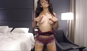 Sweet Latina on sex cam
