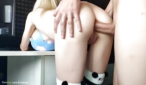 Anal sex with a pale chick on the stand