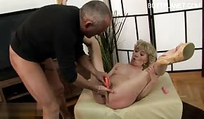 He pampered and fucked a mature blondie