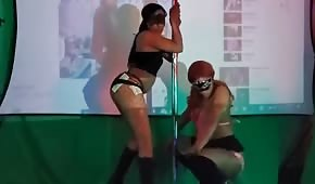 Strippers are nice to move asses