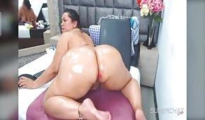 Huge buttocks of an uptight girl