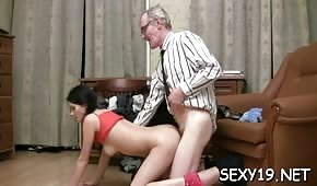 Grandfather penetrates a tight pipette of a young Russian woman