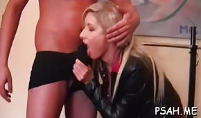 Sex in the home gym with blonde cupcakes