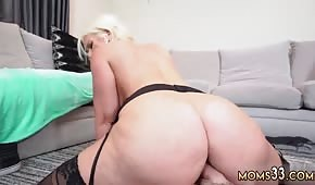 A mature cupcake moves her huge ass in a lot of fun